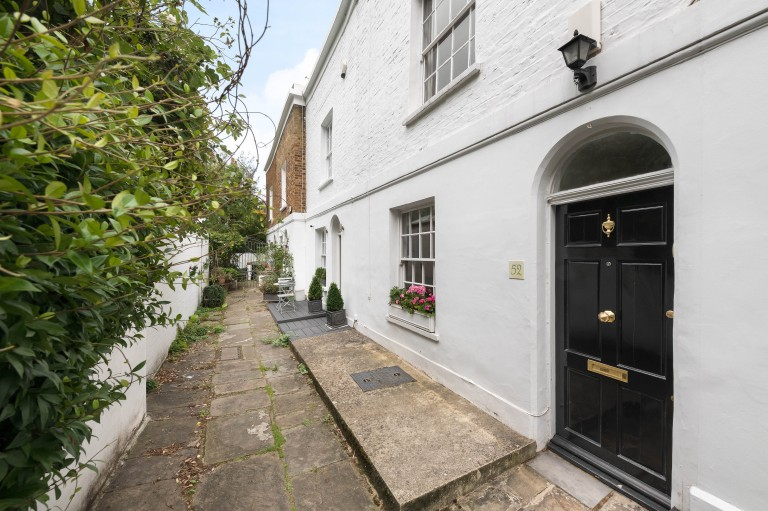 View Full Details for Upper Cheyne Row, Chelsea, SW3 - EAID:31fe799b04e63fa4bce598e9c6f14f52, BID:1